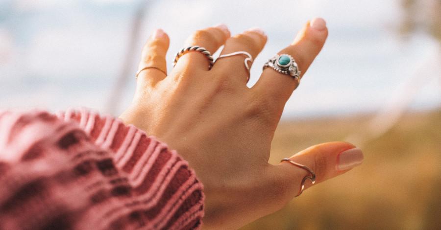 4 tajomstvá, ako dobre skombinovať šperky