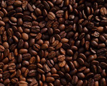 7 dôvodov, prečo by ste mali používať kávové zrno na pleť