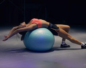 Cviky na zväčšenie pŕs: 3 rýchle cviky - stačí týždeň cvičenia!